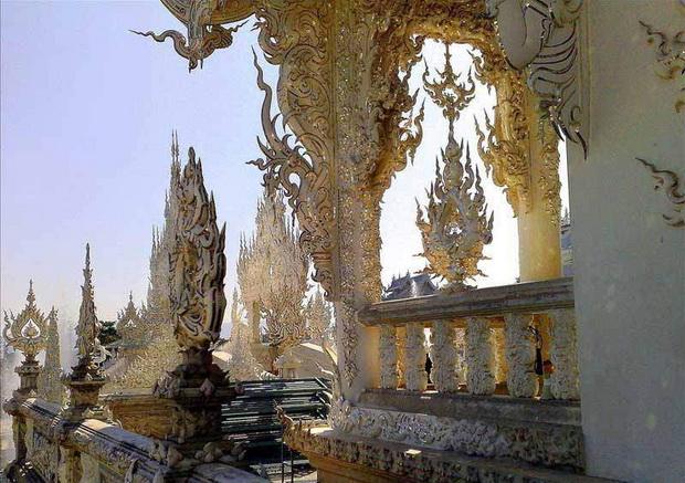 Современная храмовая архитектура - Белый Храм в Таиланде