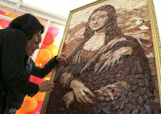 Картина Мона Лиза из продуктов питания
