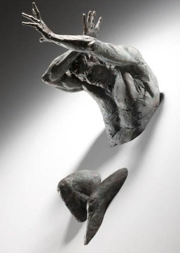 Скульптуры мужчин Matteo Pugliese - Барьер