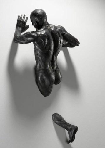 Скульптура мужчины - Ночные мысли, работа Matteo Pugliese