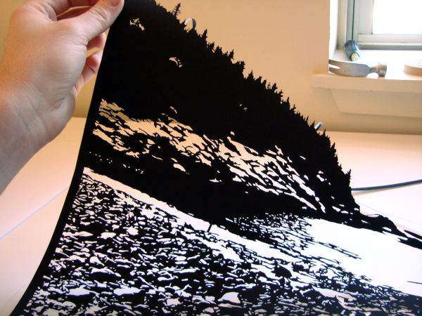 Joe Bagley, в процессе работы над бумажной картиной