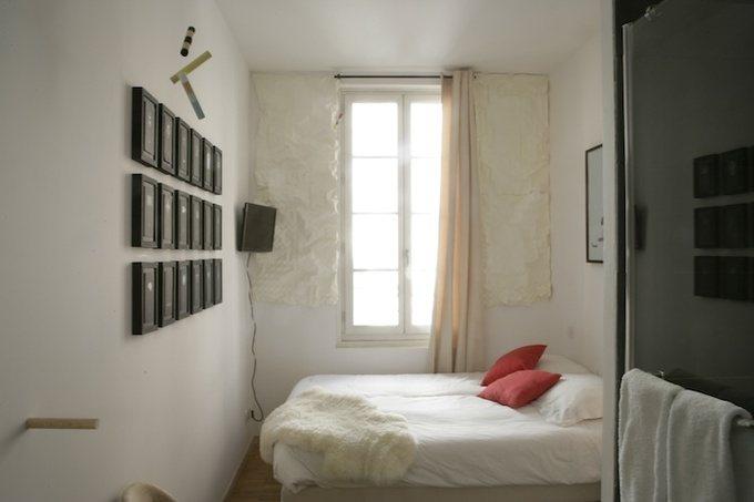Комната французского отеля.