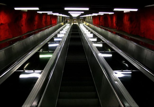 Эскалатор stockholms tunnelbana.