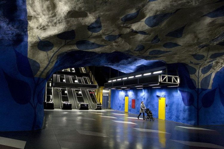 Произведения искусства в шведском метро.