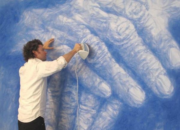 Бенджамин Шайн в студии за работой