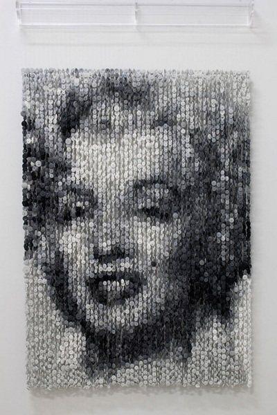 И напоследок, прекрасная Marilyn Monroe, картина из пуговиц от Augusto Esquivel