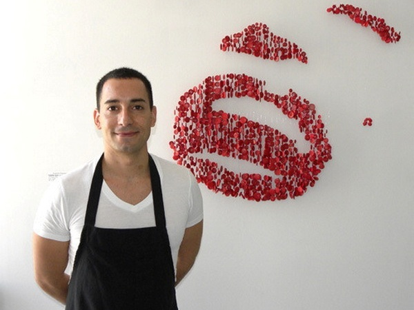 Augusto Esquivel создает очередной шедевр, арт из пуговиц