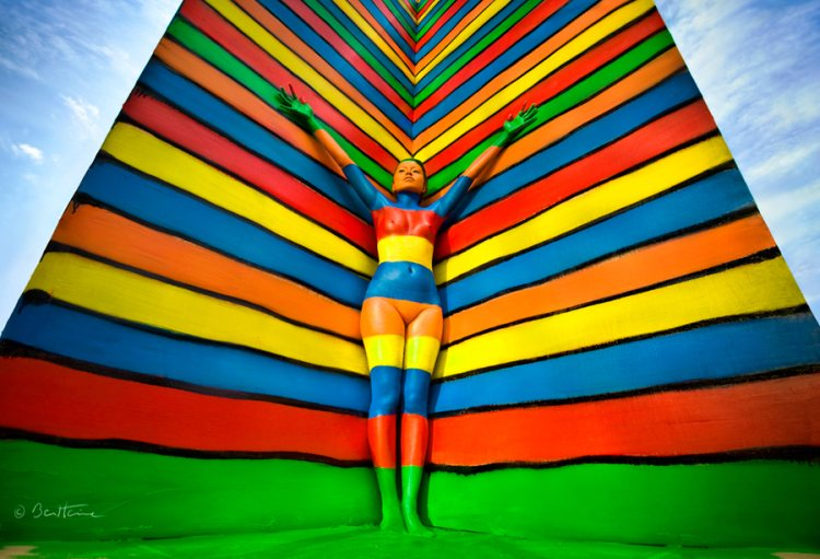 Автор проекта — бельгийский многопрофильный художник Ben Heine.