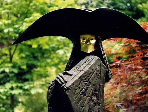 Филип Джексон, скульптура из бронзы