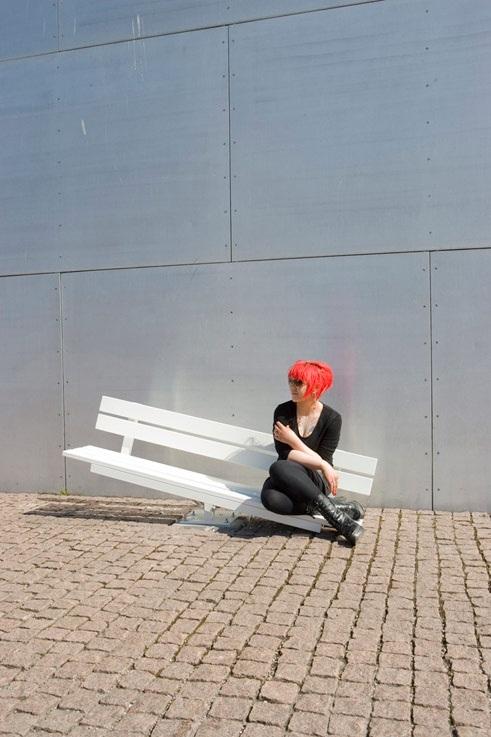 «Измененные общественные скамейки» (Modified Social Benches).